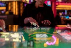 A Gamblit Poker unit.