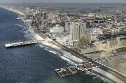 A lack of online gamblers makes it clear that Atlantic City's land-based casinos rule.