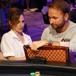 Daniel Negreanu was a fan favorite at the Main Event Monday.