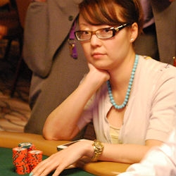 Darlene Lee plays during Day 5 of the 2014 World Series of Poker Main Event.