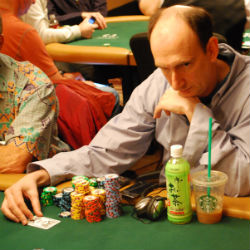 Erik Seidel had plenty of fun with Ray Romano at his table.