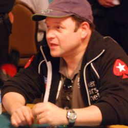 Jason Alexander knocked Vanessa Selbst out of the Main Event.