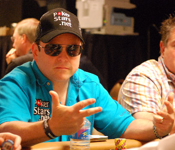 Jason Alexander was one of a number of notable actors who played on Day 2A.
