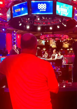 Jeff Minkin keeps a close eye on his daughter, Kelly, during WSOP Main Event action on Tuesday.