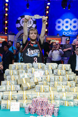 Joe McKeehen captured his WSOP gold bracelet and cashed in for $7,683,346 on Tuesday night in Las Vegas.