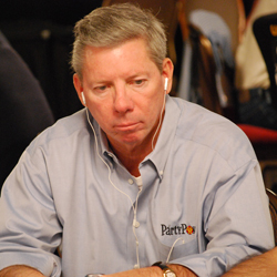 Mike Sexton is picking Cliff Josephy to win the WSOP Main Event, but predicts the casinos will be rooting for Qui Nguyen.