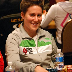 NAPT Mohegan Sun champion Vanessa Selbst enters Monday with a healthy stack of chips
