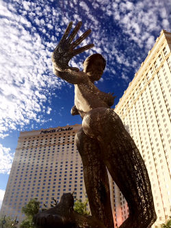 One of the highlights of The Park entertainment district in Las Vegas is the striking Blissful Dance statue.