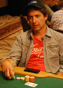 Ray Romano injected some fun into the Main Event Tuesday.