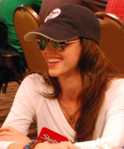 Shannon Elizabeth fared a little better than Boeree. Elizabeth finished the night with about 19,000 in chips.