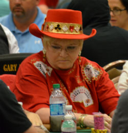 Susie Isaacs busted in 1,252nd on Sunday for $2,517.