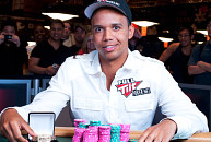 Ivey wins eighth WSOP gold bracelet