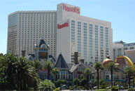 Harrah's can chase high rollers or stay midmarket